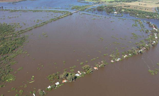 Las medidas incluyen a los afectados por las inundaciones en las poblaciones ribereñas de varias provincias del Norte, Centro y Litoral argentino.