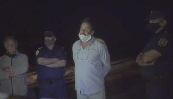 Vigilia de productores en el campo de Etchevehere a la espera de la resolución del juez