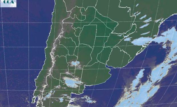 La foto satelital no presenta coberturas nubosas destacadas en la región pampeana.