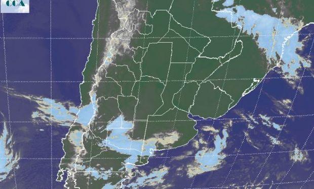 Vasto despliegue de cielos despejados sobre el centro norte del país.