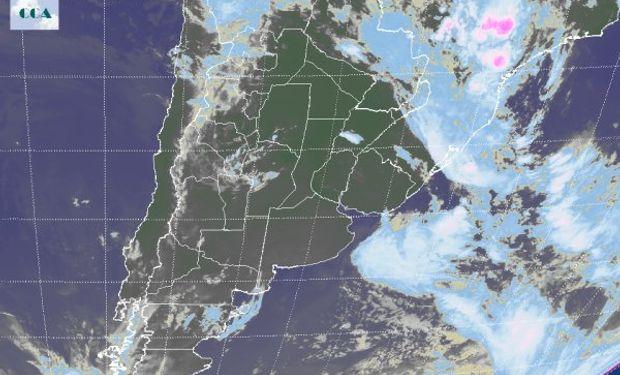 En el recorte de la Imagen Satelital puede observarse el predominio de cielos despejados dado por el arribo de un importante sistema de alta presión.