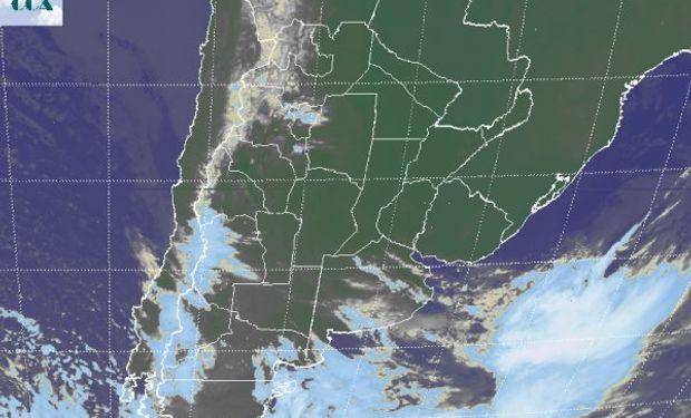 En el recorte de imagen satelital, puede apreciarse como las coberturas de nubes bajas han retrocedido.