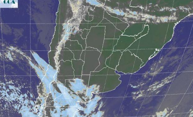 Comienza a hacerse evidente la zona frontal que desde el norte de la Patagonia avanza sobre el sudoeste de la región pampeana.