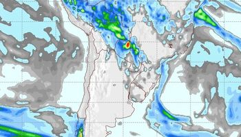Aumento de la nubosidad con probabilidad de lluvias aisladas
