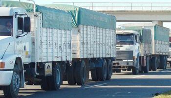 Protesta de camioneros afecta a los puertos en la zona de Timbues