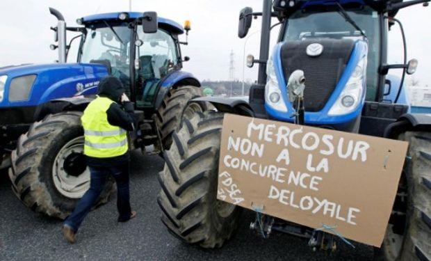 Francia: estiman que participaron alrededor de 20.000 agricultores en las manifestaciones en todo el país.