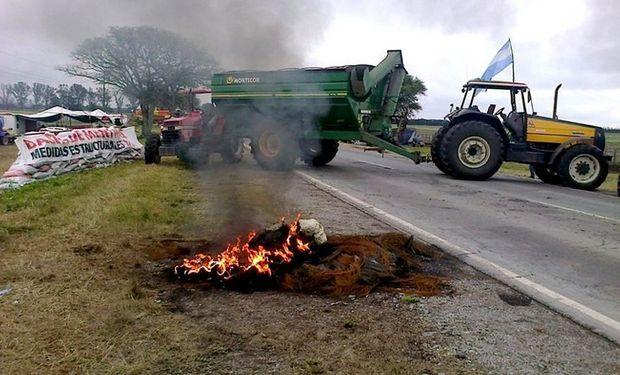 En Yatasto, Salta, los productores agropecuarios mantienen un acampe en la ruta 9 y 34. Foto: Autoconvocados