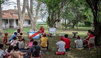 El Proyecto Artigas presenta hoy un documental filmado en el campo tomado a los Etchevehere
