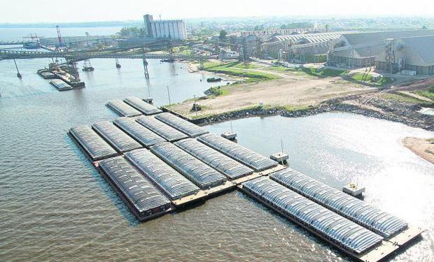 Más de 30 contenedores listos para cargar rumbo a Uruguay.