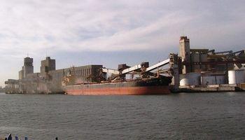 Puertos bonaerenses palpitan la exportación sojera