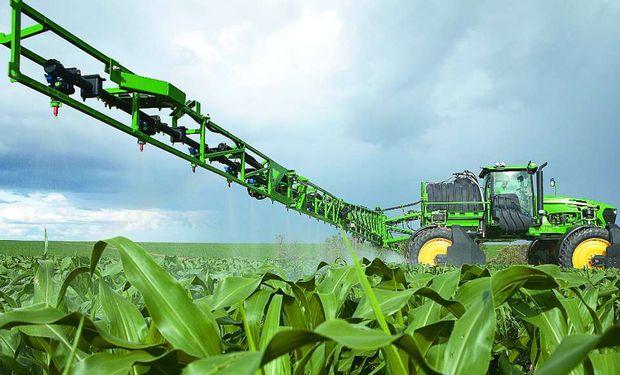 El control químico es una de las medidas de manejo más empleadas en la agricultura.