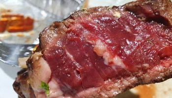 ¿Cocida, jugosa o cruda? La foto que reavivó el debate por el punto de la carne