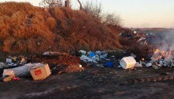Una municipalidad de La Pampa incineraba envases de fitosanitarios