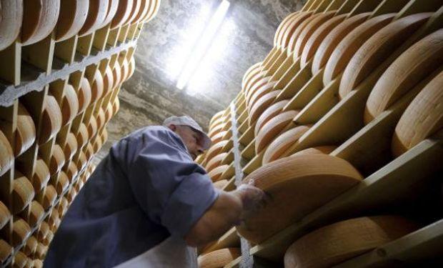 Apuntan a realizar nuevos negocios de venta de quesos.