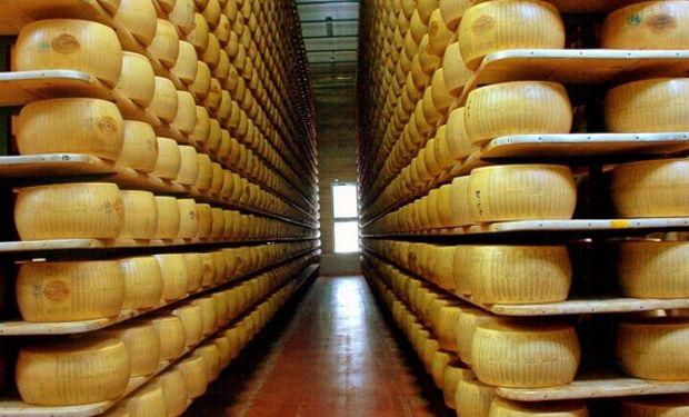 En marzo de este año se declararon 1724 toneladas de ventas externas de quesos duros a un precio promedio ponderado de 5,48 u$s/kg.
