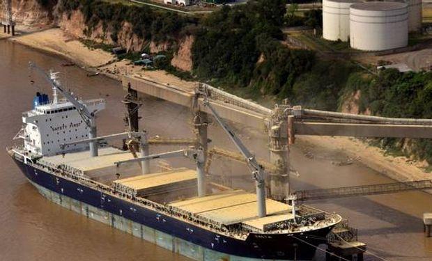 En el primer cuatrimestre los recursos por exportaciones acumulan una baja interanual del 22%.