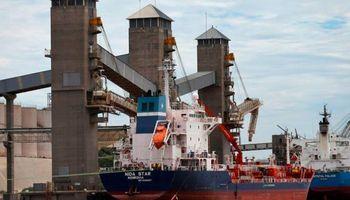 """""""Estamos lejos en las posiciones"""": recibidores de granos realizan paros intermitentes en los puertos"""
