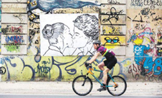 Se enciende la campaña en Brasil con pelea de Dilma y grandes medios
