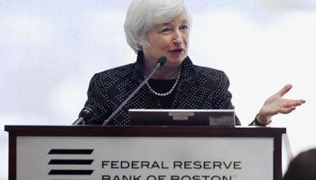 ¿Por qué la Fed debe subir su tasa de interés?