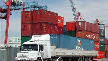 Restricciones cambiarias cercan al comercio exterior