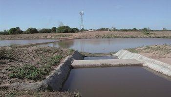 Construir represas para almacenar agua en cantidad y calidad