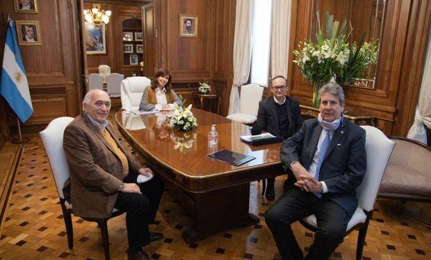 A través del Consejo Agroindustrial Argentino, el campo se reunió con Cristina en el Senado