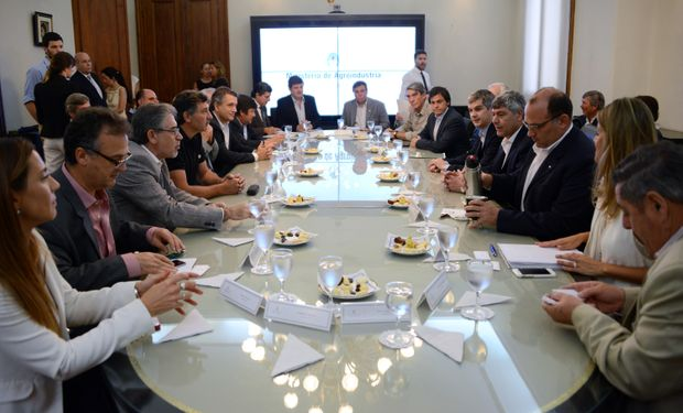 Hoy volvió el diálogo porque es imprescindible para que esta Argentina crezca en producción y empleo.