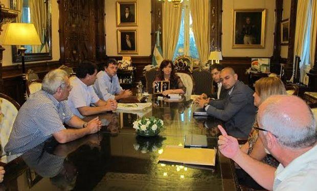 En la tarde de hoy, hubo una reunión en la casa Rosada con dirigentes de la FAA.