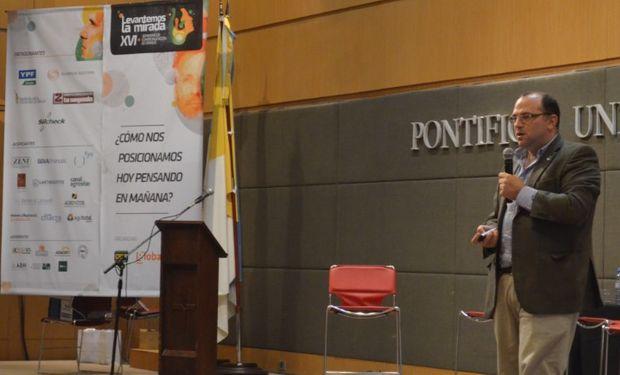 """Ricardo Negri: """"Como fortalecer y flexibilizar el negocio"""" en el 16° Seminario de Comercialización de Granos."""