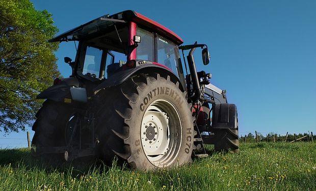 """Destacan que """"la cosecha récord pasa por esas máquinas y las mismas deben llegar al potrero de forma legal""""."""