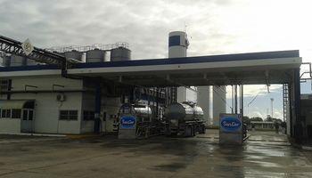 SanCor y Adecoagro concretaron el traspaso de plantas