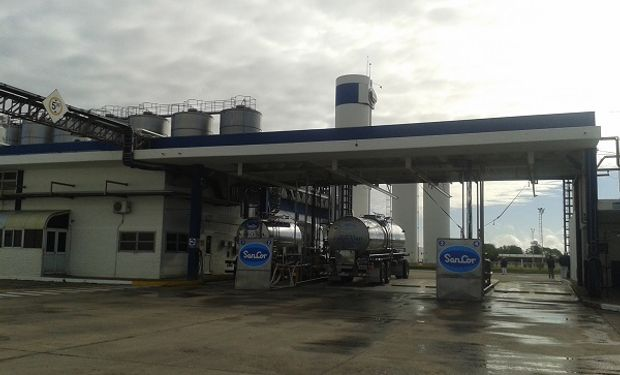 Terminó el traspaso de plantas entre Sancor y Adecoagro.