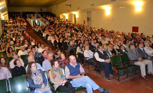 Auditorio en el Teatro Máximo Vicentín.