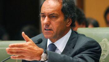 Prometió Scioli que revisará las retenciones