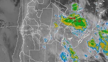 Lluvias ligeras y lloviznas sobre el centro