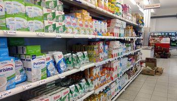 Extienden la política de precios máximos para alimentos y productos de primera necesidad