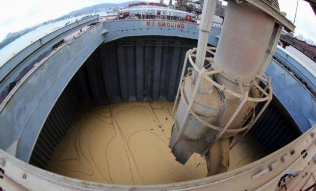 China descargó un buque de 70.000 toneladas de poroto de soja provenientes de EE.UU. abonando el arancel del 25%.