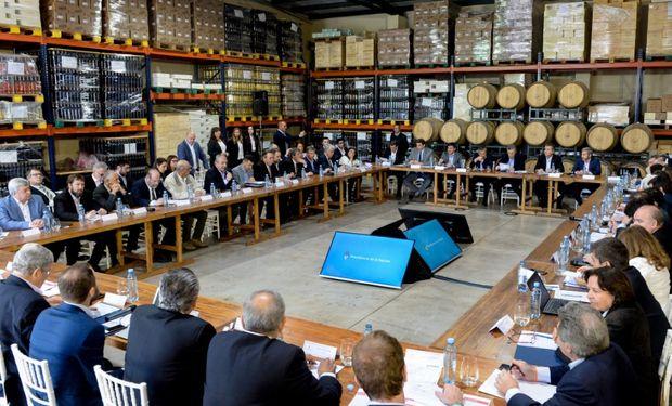 """Macri señaló que """"en esta etapa que arranca la Argentina, todos tenemos que ser un equipo, el sector público y el privado para así salir adelante."""""""