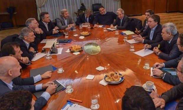 Primera reunión con Nicolás Dujovne como coordinador.