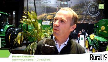 Con una nueva línea de tractores, John Deere apuesta al sector ganadero