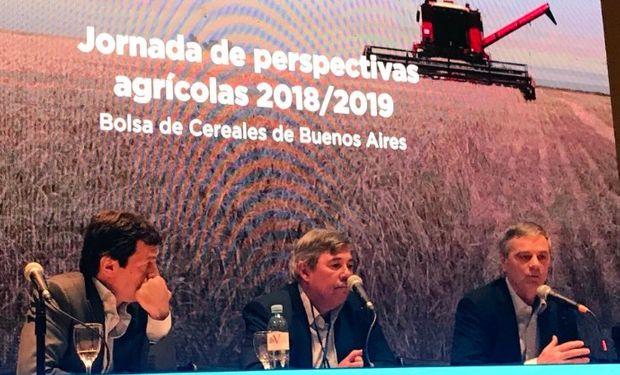 Autoridades de Agroindustria en la Jornada de Perspectivas Agrícolas en la Bolsa de Cereales de Buenos Aires.