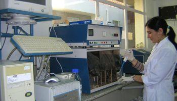 Análisis de muestras de leche: dónde están los seis laboratorios habilitados
