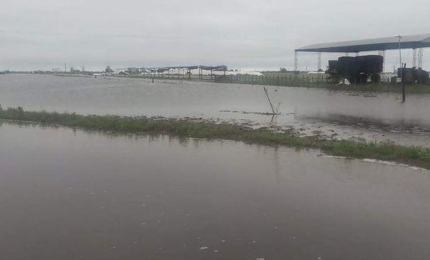 Las lluvias generaron anegamientos en Santa Fe. Foto: @AnPasserini