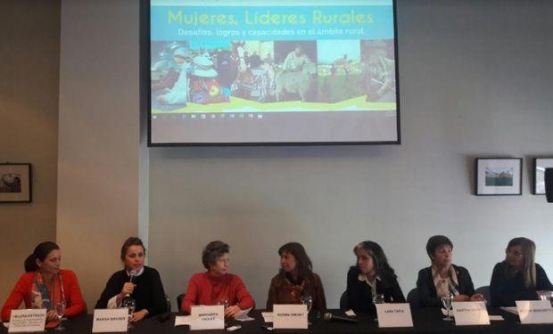 Representantes de la Sociedad Rural Argentina, del Ministerio de Agroindustria de la Nación, de UATRE, de FAO Argentina y la diputada de la Nación Paula Lopardo abrieron el debate.