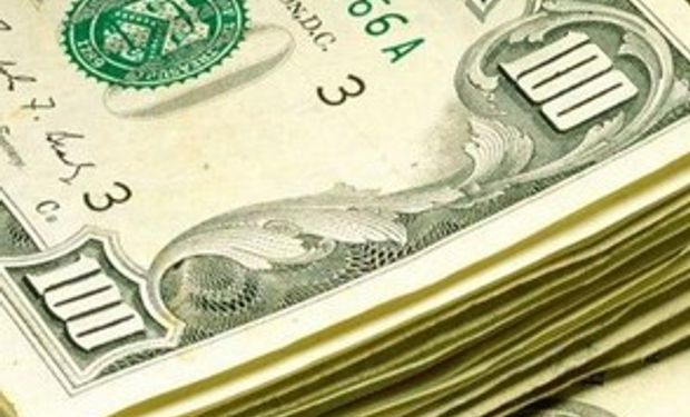 El dólar cerró a $ 5,56 y el 'blue' se consigue hasta por $ 8,81