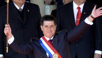 Asumió Horacio Cartes y se mostró cercano a la Argentina y Brasil