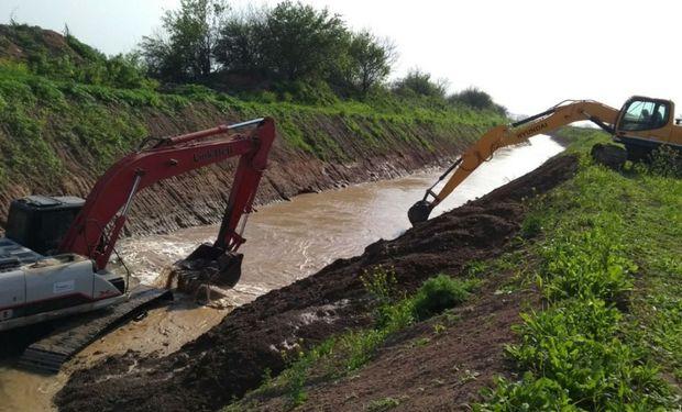 El gobierno provincial lleva invertido en 2017 cerca de $ 1500 millones en materia de obras hídricas, tecnología y maquinarias.