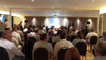 Se realizó un encuentro regional de productores de alfalfa