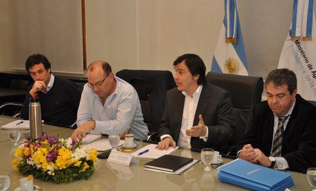Los secretarios Ricardo Negri y Santiago Hardie estuvieron al frente de la reunión.