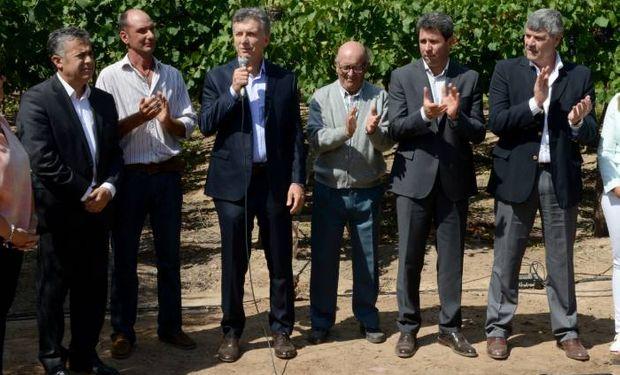 El acuerdo estuvo firmado por Macri, Buryaile, Cornejo, Uñac, y Tizio Mayer